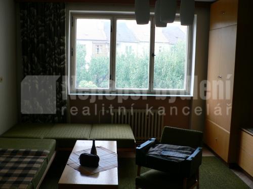 Bez realitky: Pronájem zařízeného bytu 2+1, Brno-Židenice