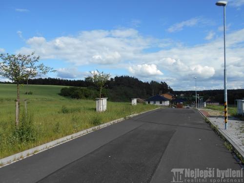 Pozemky na prodej: SP 899 m2 Třemošná, 3 km od Plzně