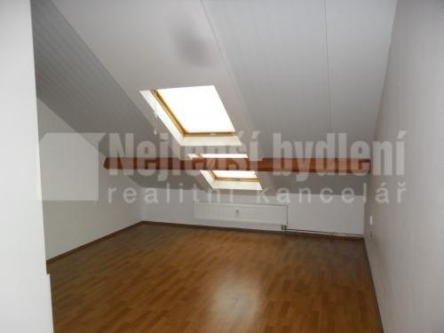 Prodej pronájem bytu: Pronájem bytu 2+kk 67 m2, Mořice, ul. Brněnská