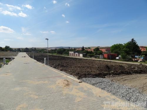 Pozemky na prodej: Slunný SP 400m2, Syrovice REZERVOVÁNO