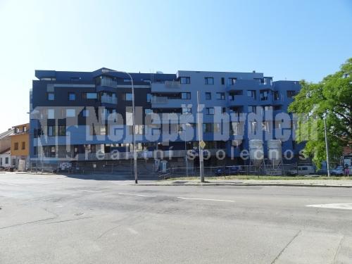 Novostavba 1+kk s balkonem, Žabovřesky