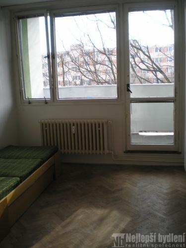 Pronájem 1+1 s balkonem, Brno-Lesná