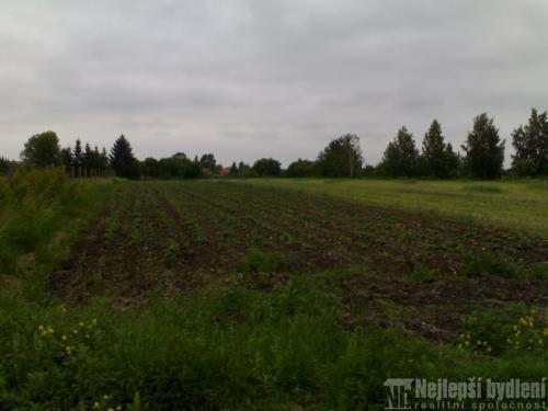 Pozemky na prodej: SP 1100m2, Svinaře