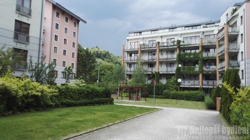 Prodej komerčních prostor 105m2, Praha 6- Dejvice