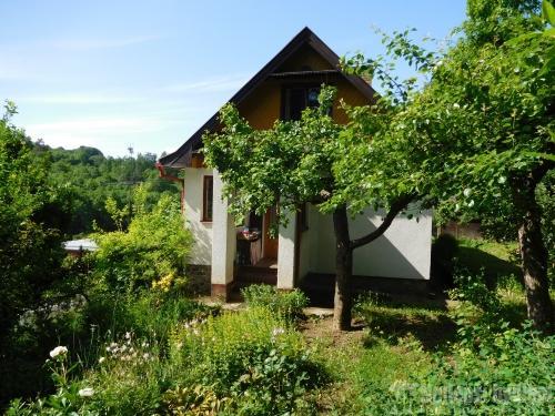 Prodej chaty a chalupy: Pěkná prostorná chata  5+1 se zahrádkou, Lelekovice