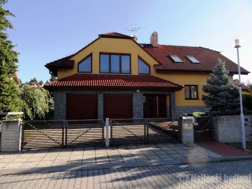 Domy na prodej: RD 5+1 se zahradou, Brno-Útěchov