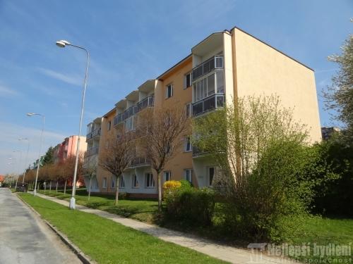 Prodej pronájem bytu: OV 2+1 s balkónem a garáží, Tišnov