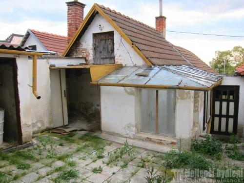 Domy na prodej: RD 3+1 se zahradou, Viničné Šumice