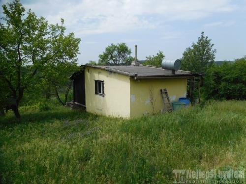 Nabízíme chatu se zahradou 1104m2 v lokalitě Želešice u Brna
