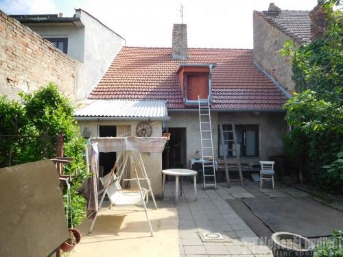 Domy na prodej: Nabízíme , slunný  RD  2+1 se zahradou  v obci Ivanovice na Hané