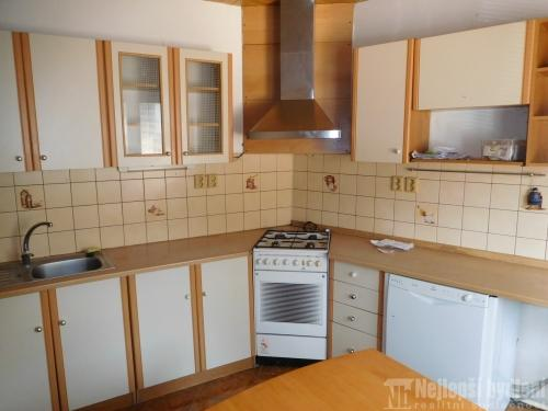 Nemovitosti na prodej: Slunný rodinný dům 5+1 v obci Dolní Kounice, Brno-venkov REZERVOVÁNO
