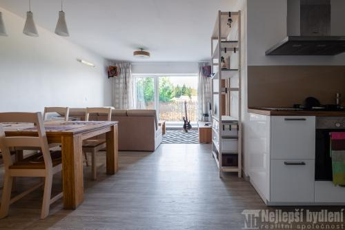 Nemovitosti na prodej: Pronájem nadstandardního bytu 2+kk s terasou, Brno-Komín- rezervováno