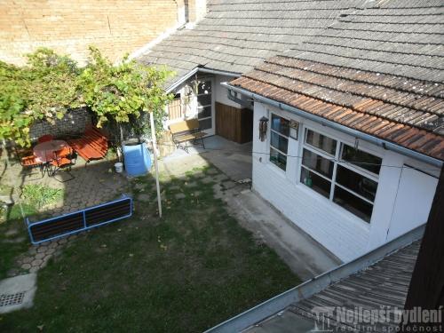 Domy na prodej: RD se dvorem , Uhřice u Kyjova- REZERVOVÁNO