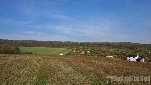 Nemovitosti na prodej: Pozemek 800m2 Mokrá-Horákov