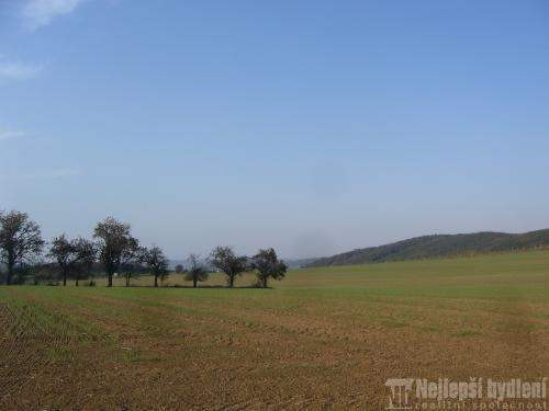 Stavební pozemek 1178m2 nedaleko Brna