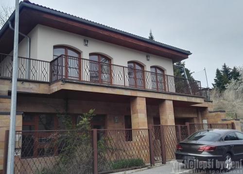 Domy na prodej: Rodinný dům v původní vilové zástavbě Barrandov, Praha 5