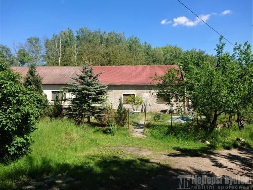 Domy na prodej: Rodinný dům 4+1 se zahradou, Zastávka u Brna