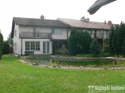Domy na prodej: Pronájem RD 4+kk s terasou a garáží, Modřice