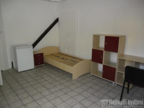 Pronájem zařízeného pokoje 18m2 v 3+1  v Novém Lískovci- REZERVOVÁNO