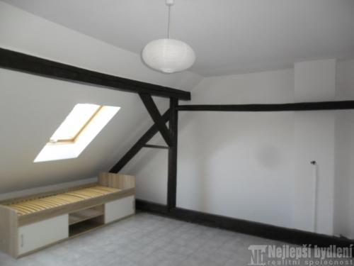 Pronájem zařízeného pokoje 24m2 v 3+1 v Novém Lískovci