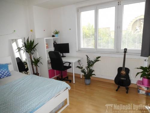 Bez realitkyPronájem bytu 2+1 s balkonem, Brno-Žabovřesky